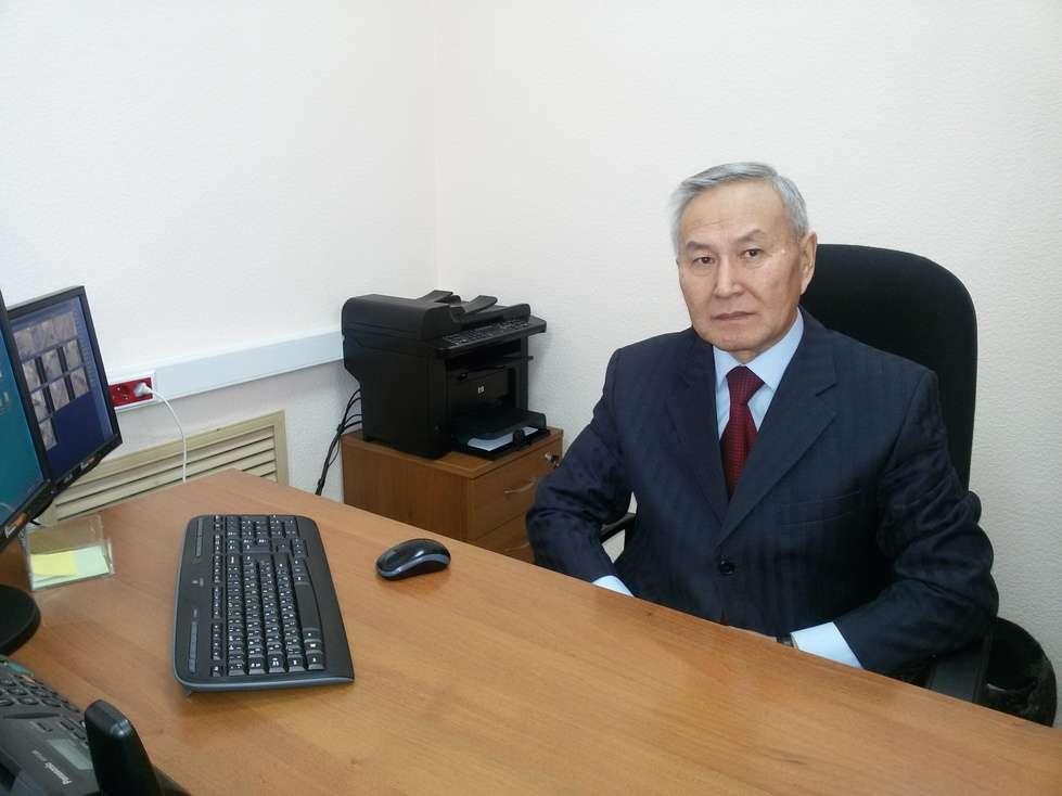 Жаргалов Амур Санжиевич - заведующий филиалом ГБУ «МФЦ РБ» по Иволгинскому району